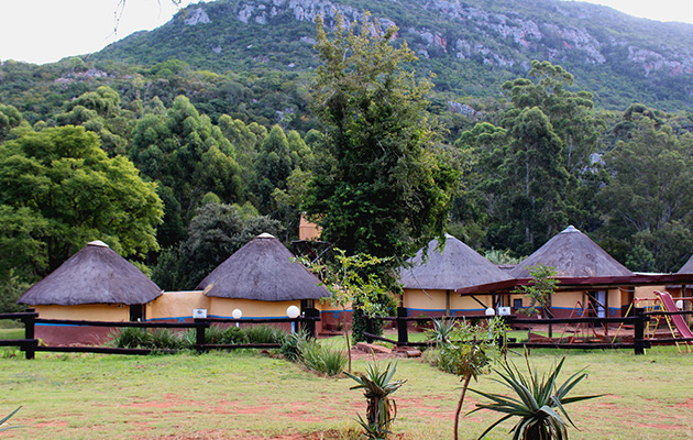 lokovhela mountain cottages, morning sun, nature reserve, self catering, accommodation, backpackers, back packing, louis trichardt, quiet, tranquil, peace